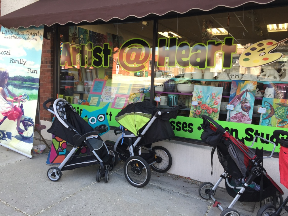 Strollers lined up in front of the store. I knew I was at the right place.
